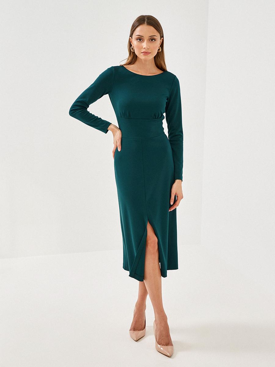 Платье приталенное с разрезом